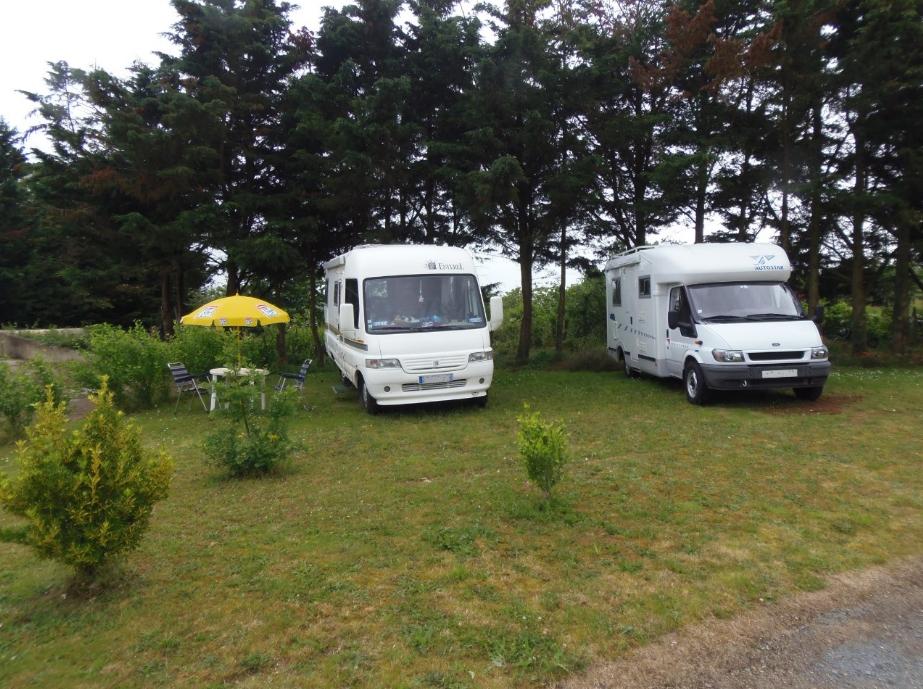 Aire camping-car à Amné (72540) - Photo 1